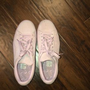 Lilac light pink puma sneakers
